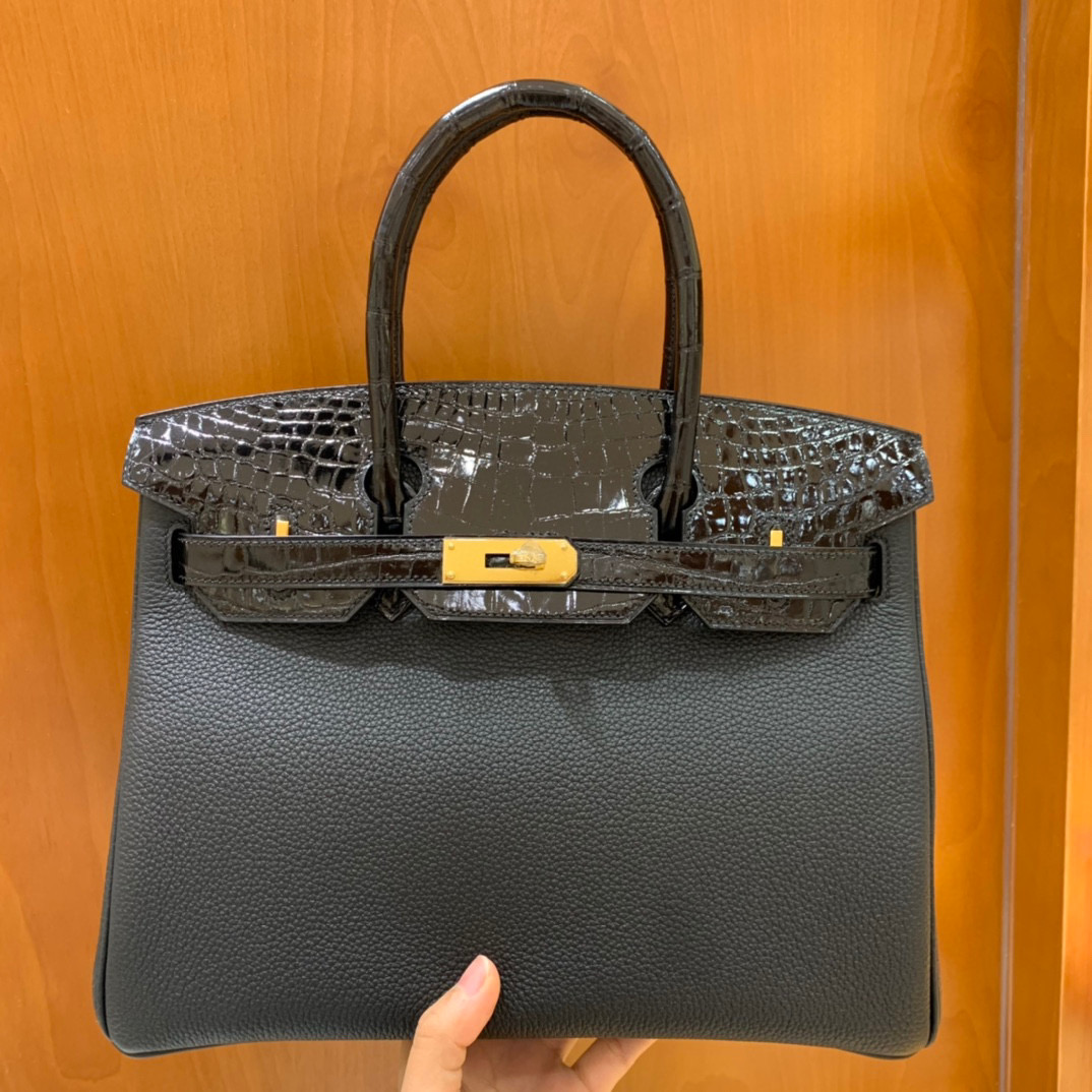 Hermès(爱马仕) 铂金包 Birkin Touch 30CM  全手工 黑色 亮面鳄鱼 金扣