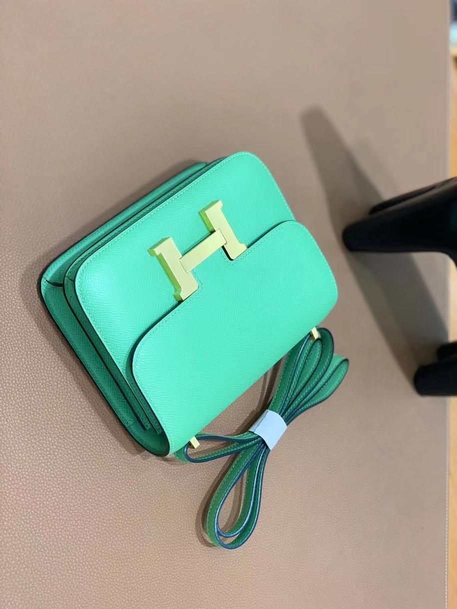 Hermès(爱马仕)Constance 空姐包 epsom 牛油果绿 金扣 19cm 现货