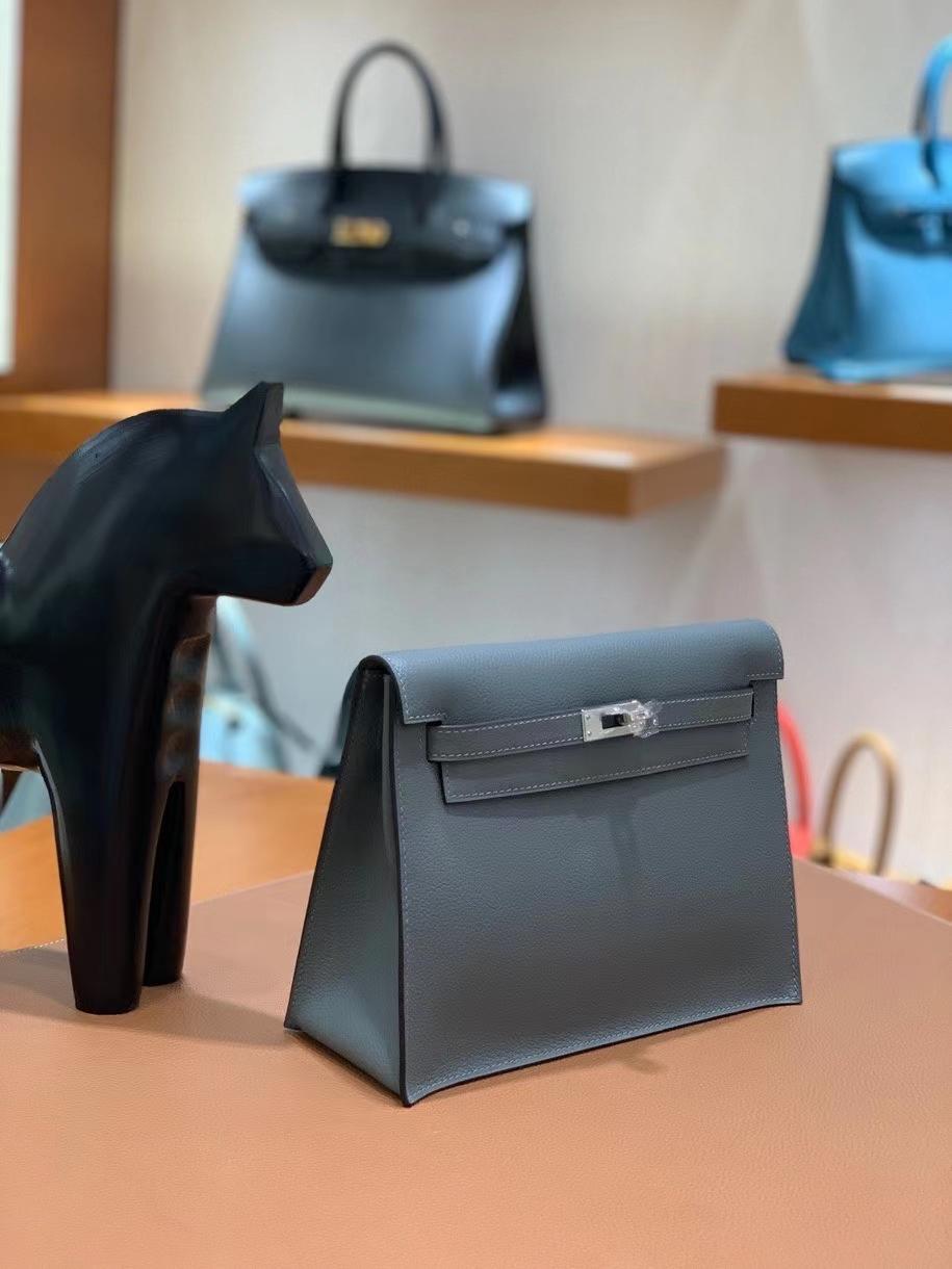 Hermès(爱马仕)Kelly danse evercolor 杏仁绿 22cm 银扣 现货