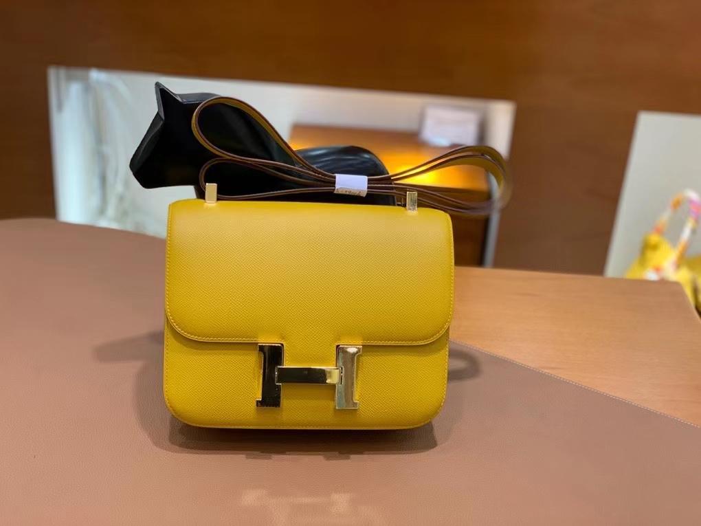 Hermès(爱马仕)Constance 空姐包 epsom 琥珀黄 金扣 24cm 现货