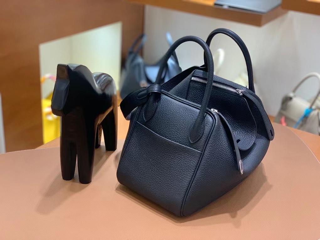 Hermès(爱马仕)TC 黑色 Lindy 30 银扣