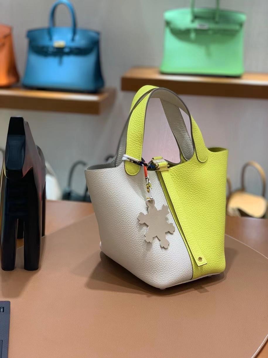 Hermès(爱马仕)Picotin 菜篮子 TC皮 奶昔白 拼 柠檬黄 18cm 金扣