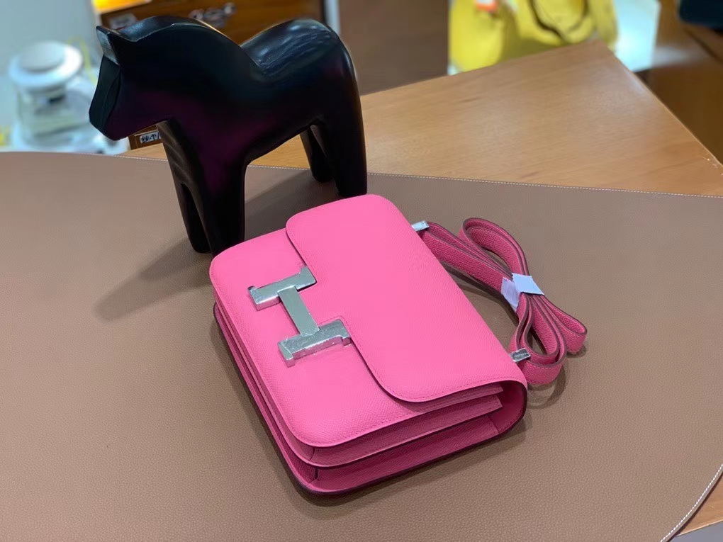 Hermès(爱马仕)Constance 空姐包 epsom 唇膏粉 银扣 24cm 现货