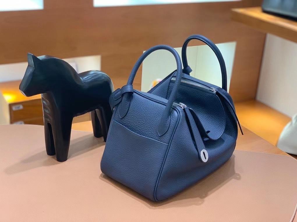 Hermès(爱马仕)TC 午夜蓝 Lindy 30 银扣