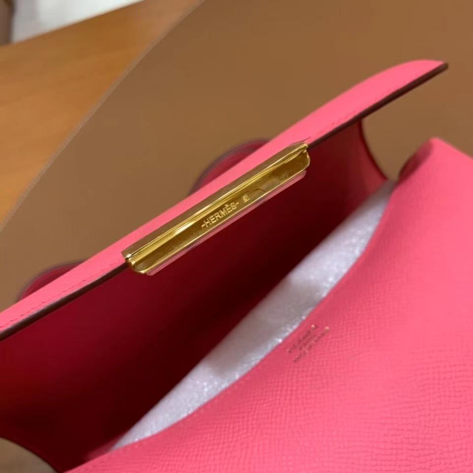 Hermès(爱马仕)Constance 空姐包 epsom 唇膏粉 金扣 24cm 现货