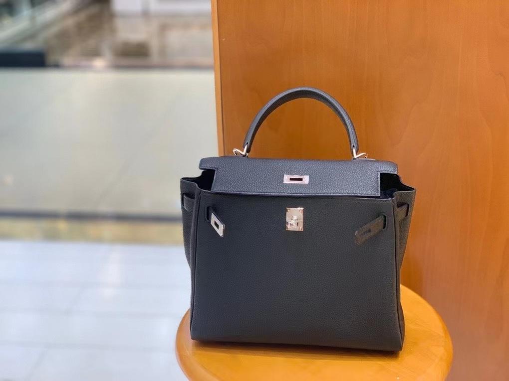 Hermès(爱马仕)Kelly 凯莉包 Togo 黑色 银扣 25cm