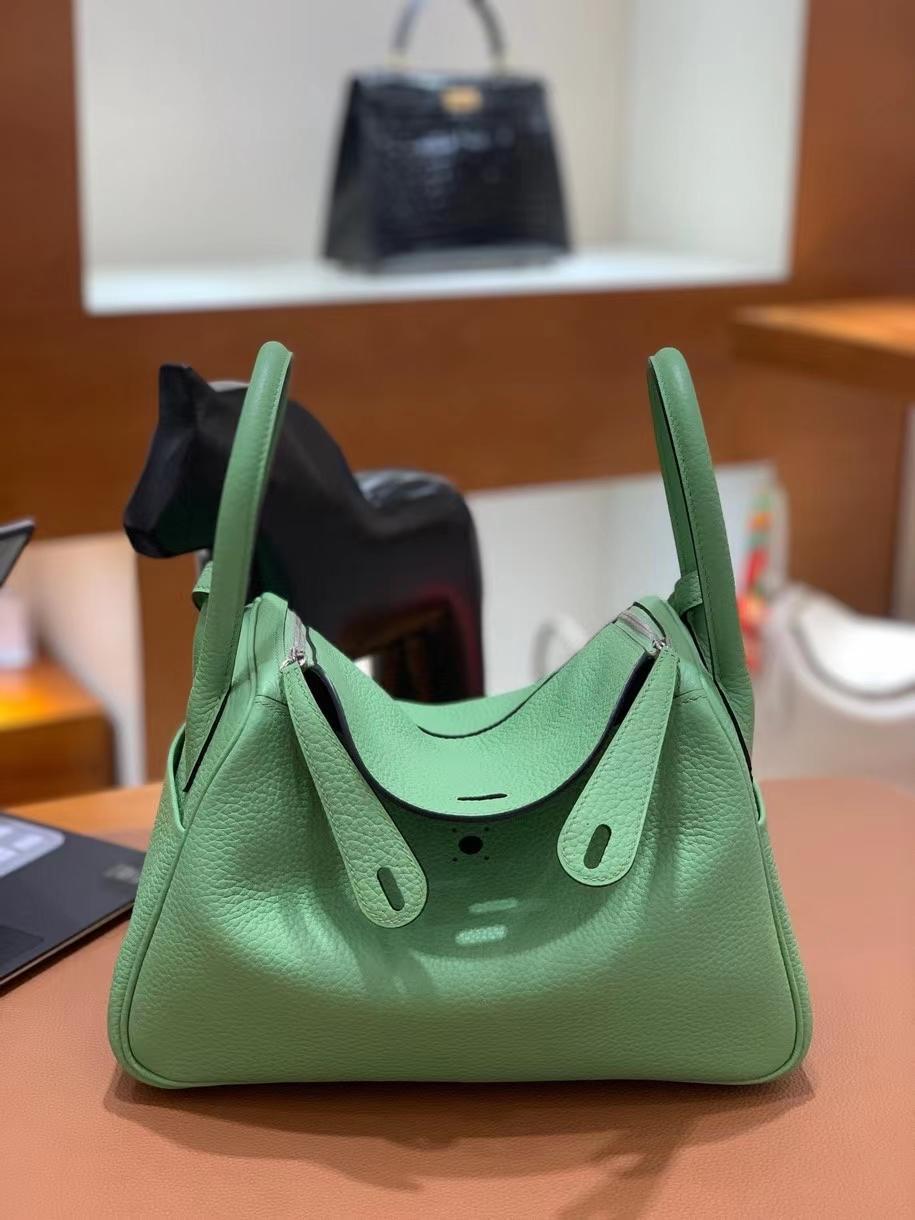 Hermès(爱马仕)Lindy 琳迪包 TC皮 3i牛油果绿 银扣 26cm
