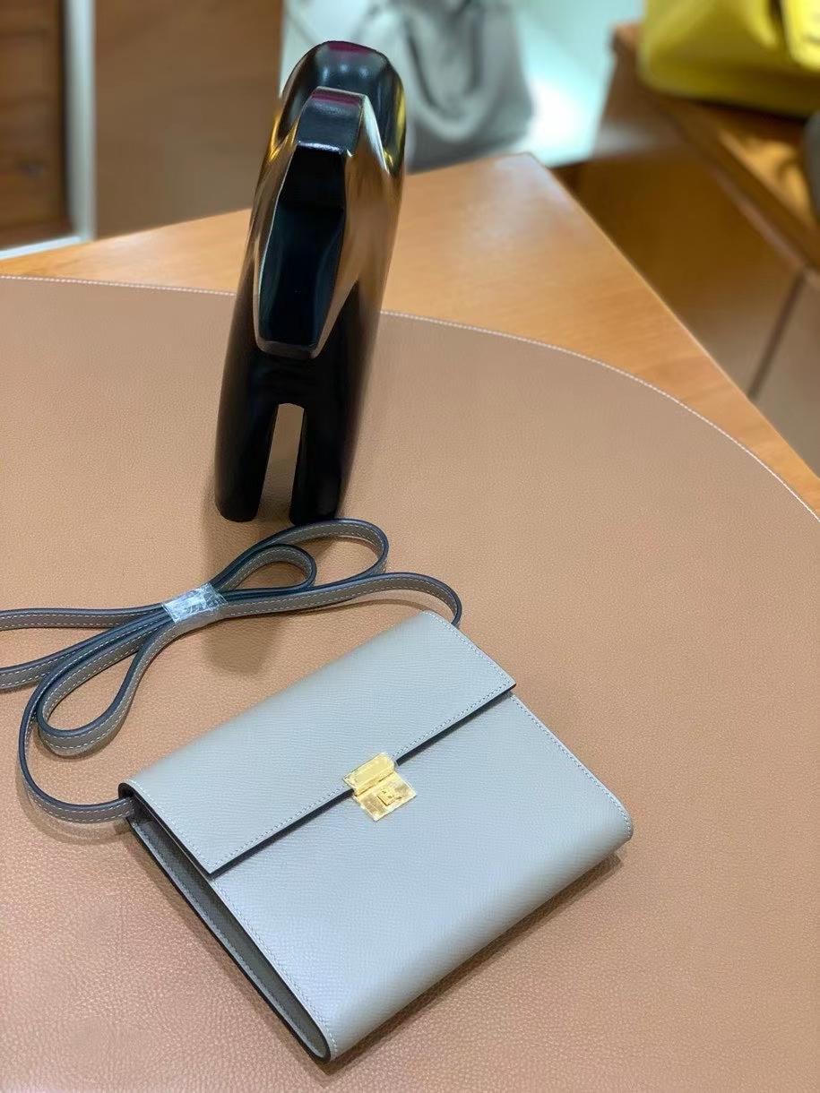 Hermès(爱马仕)clice 挎包 Epsom 沥青灰 金扣 16cm 现货