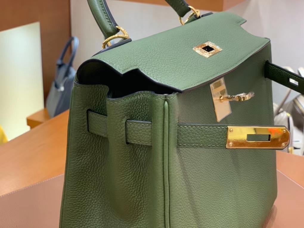 Hermès(爱马仕)Kelly 凯莉包 Togo 丛林绿 金扣 28cm