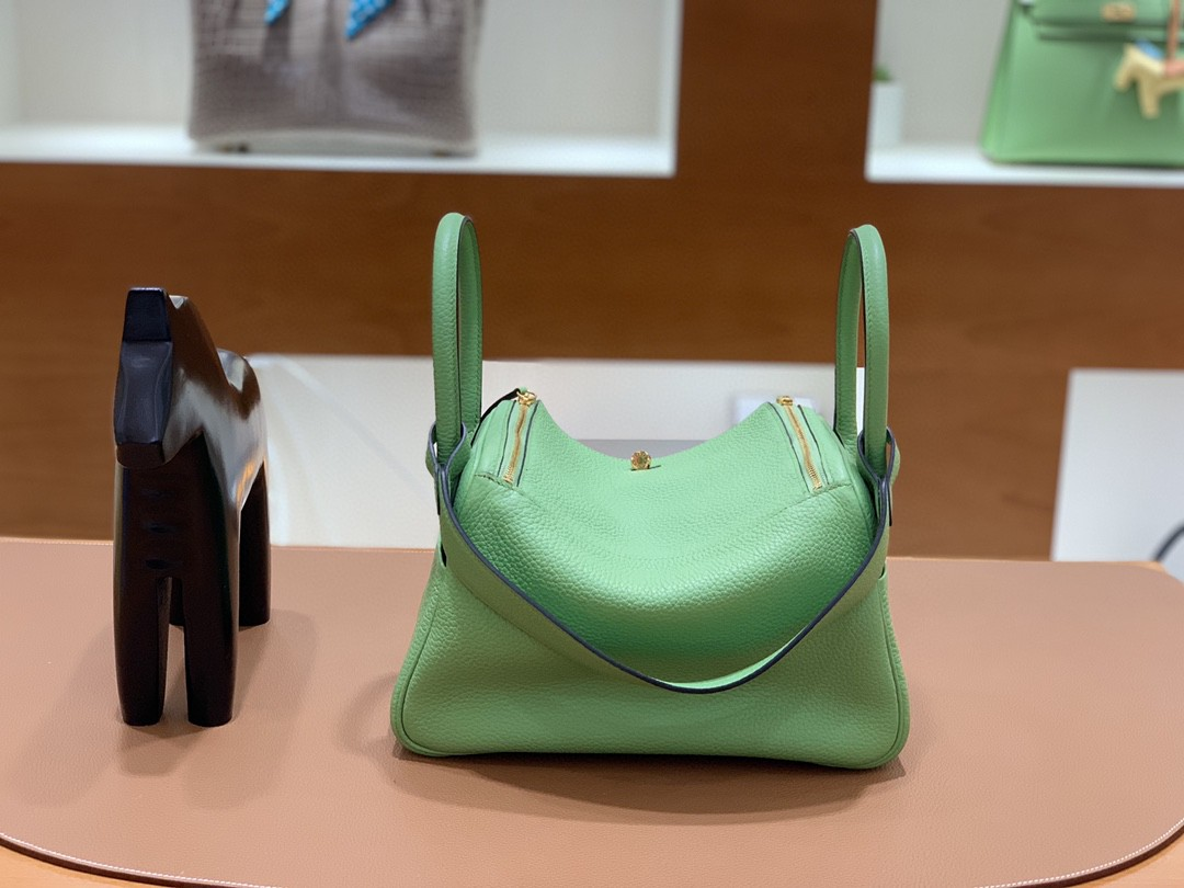 Hermès(爱马仕)Lindy 琳迪包 TC 牛油果绿 银扣 26cm 现货
