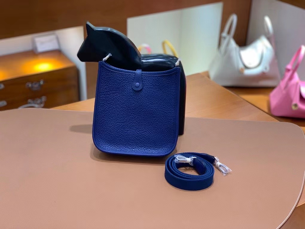 Hermès(爱马仕)TC 宝石蓝 Evelyne 16cm 银扣 现货