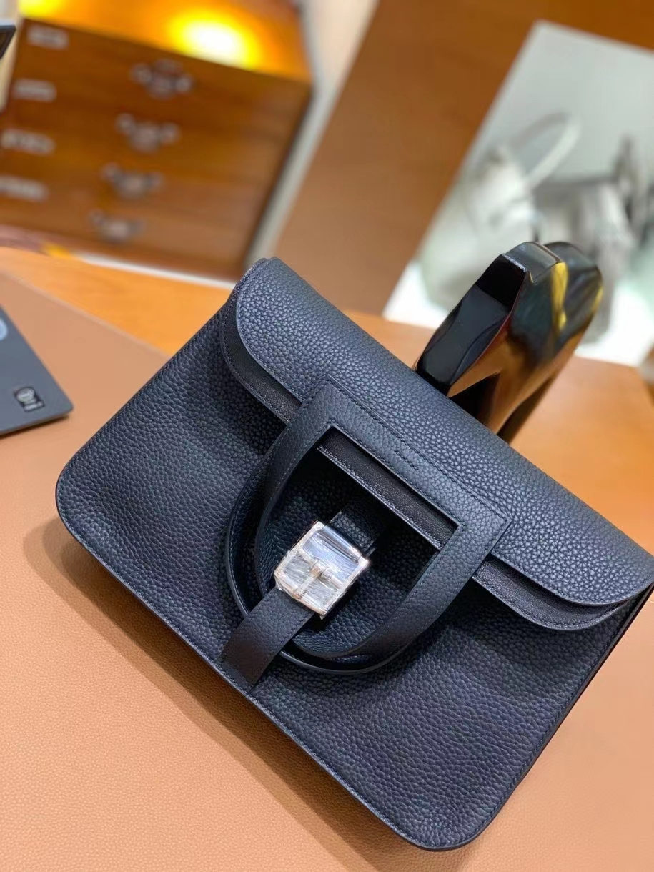 Hermès(爱马仕)TC 黑色 Halzan 31cm 银扣 现货