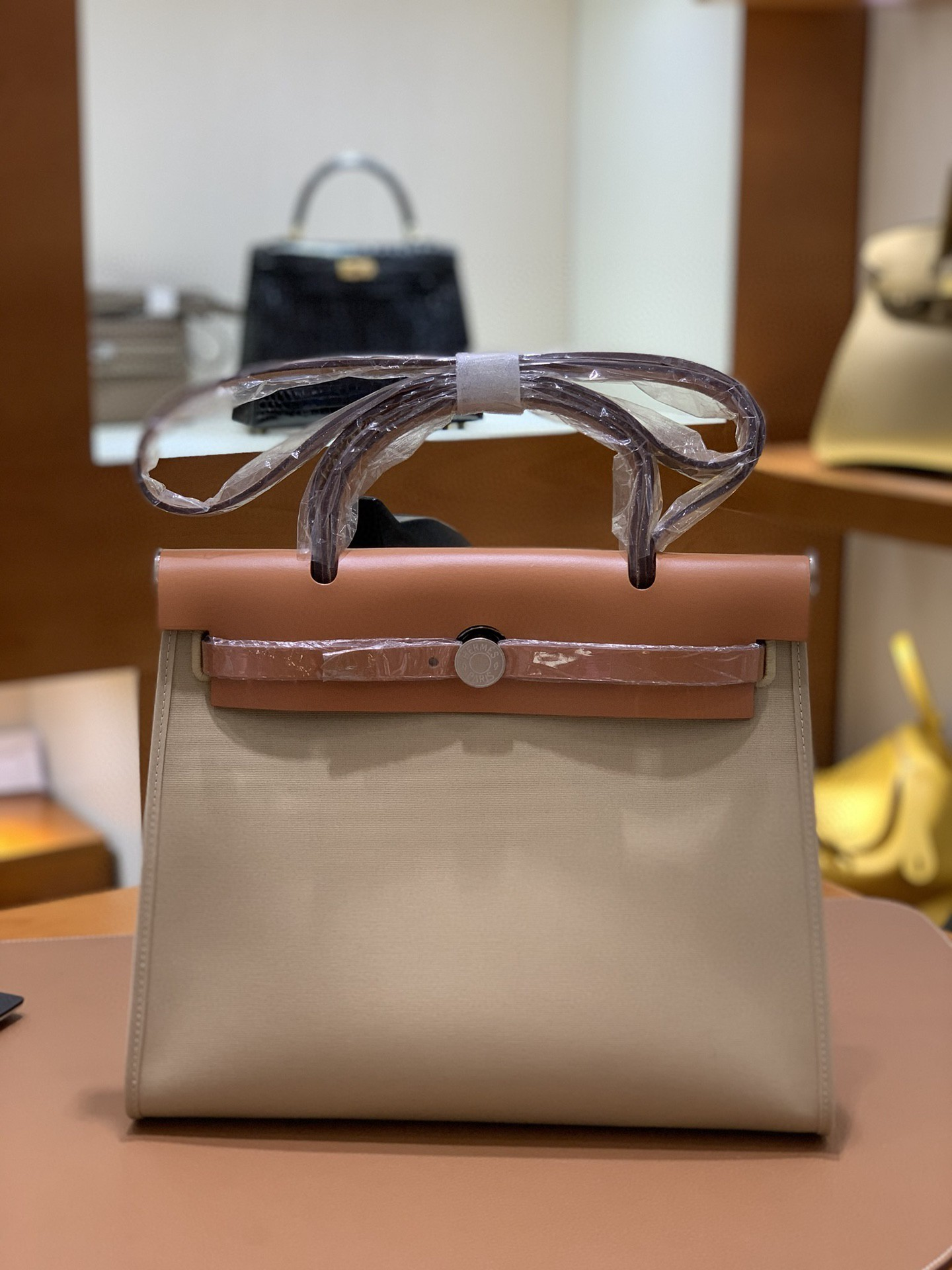 Hermès(爱马仕)Herbag 金棕色拼风衣灰 Box帆布 银扣 31cm