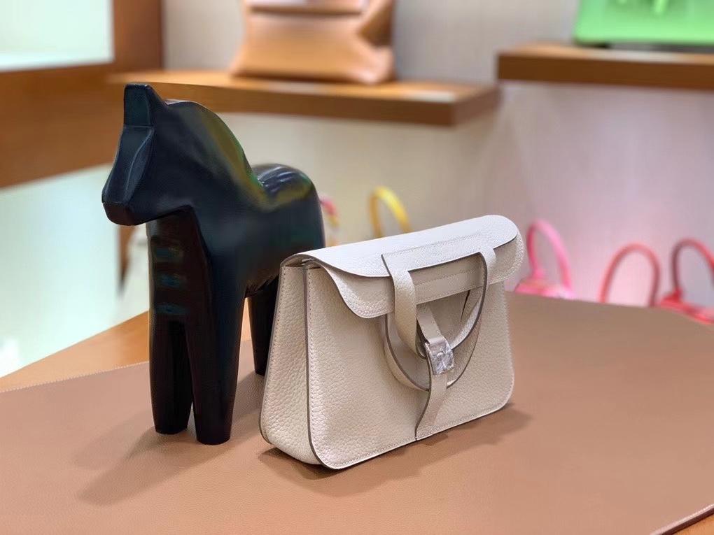 Hermès(爱马仕)TC 奶昔白 Halzan 22cm 银扣 现货