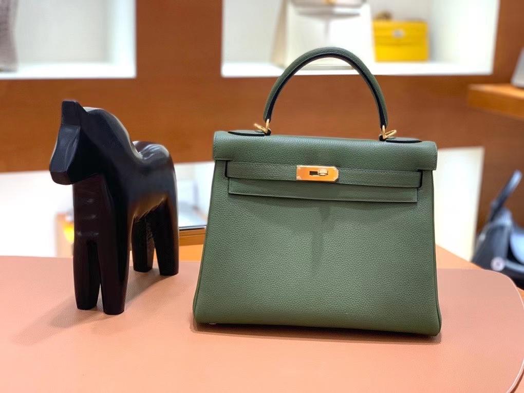 Hermès(爱马仕)Kelly 凯莉包  Togo 丛林绿 28cm 金扣 现货