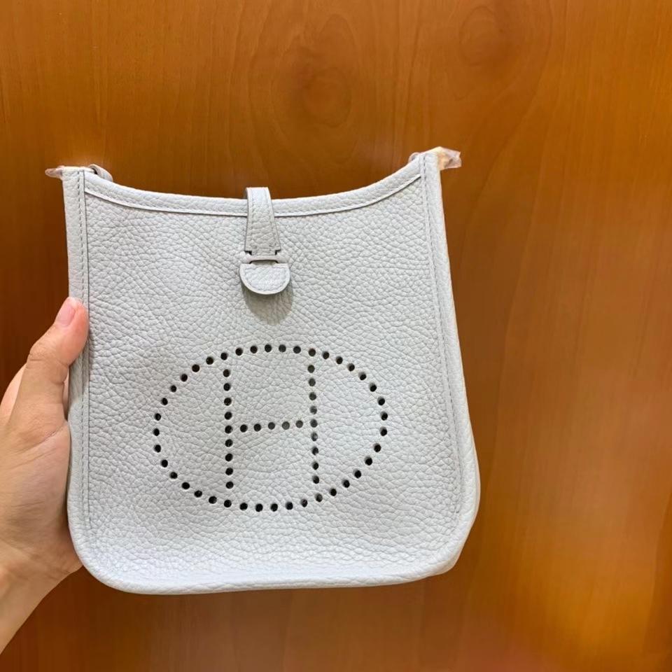 Hermès(爱马仕)TC 冰川白 Evelyne 16cm 银扣 现货