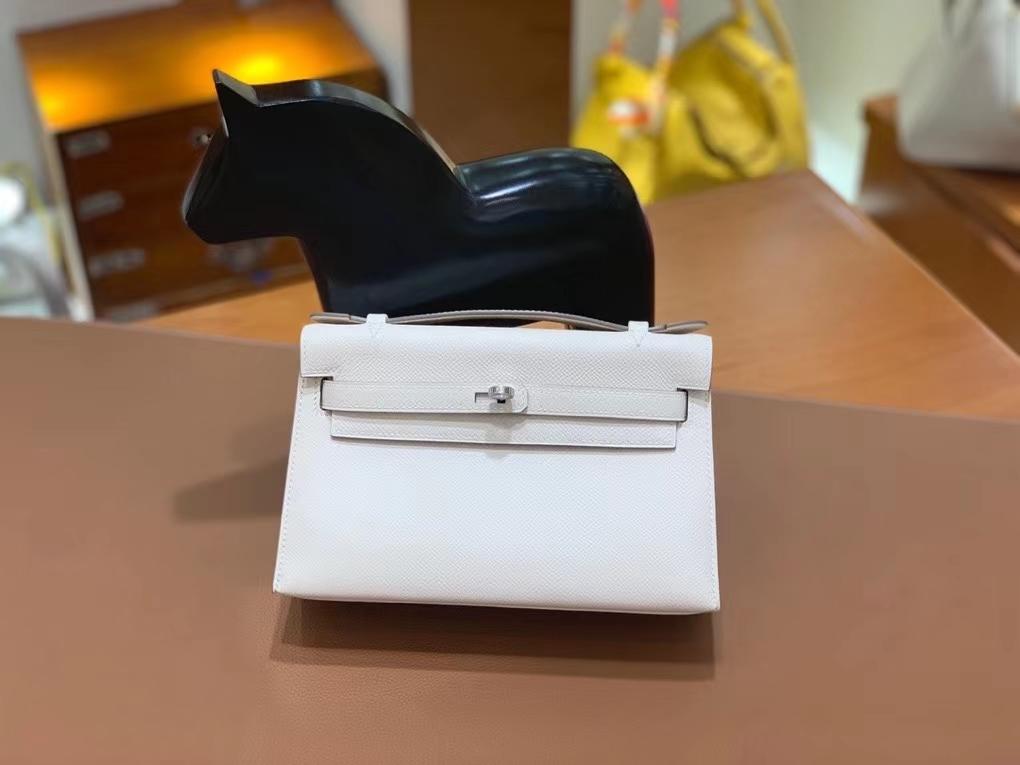 Hermès(爱马仕)Epsom 奶昔白 miniKelly 22cm 银扣 现货