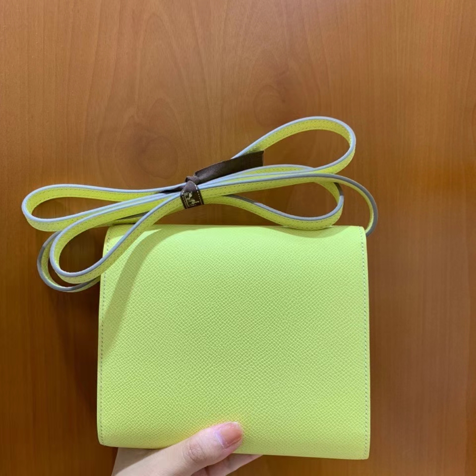 Hermès(爱马仕)clice 挎包 Epsom 小鸡黄 银扣 16cm 现货