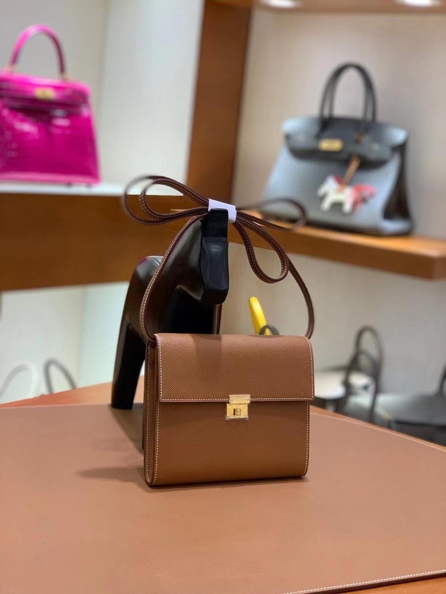 Hermès(爱马仕)clice 挎包 Epsom 金棕色 金扣 16cm 现货
