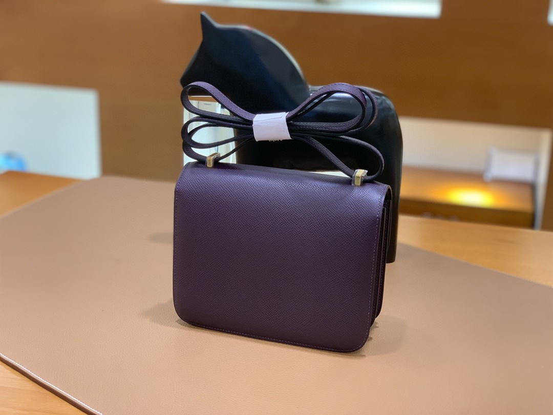 Hermès(爱马仕)Constance 空姐包 Epsom 葡萄紫 19cm 金扣