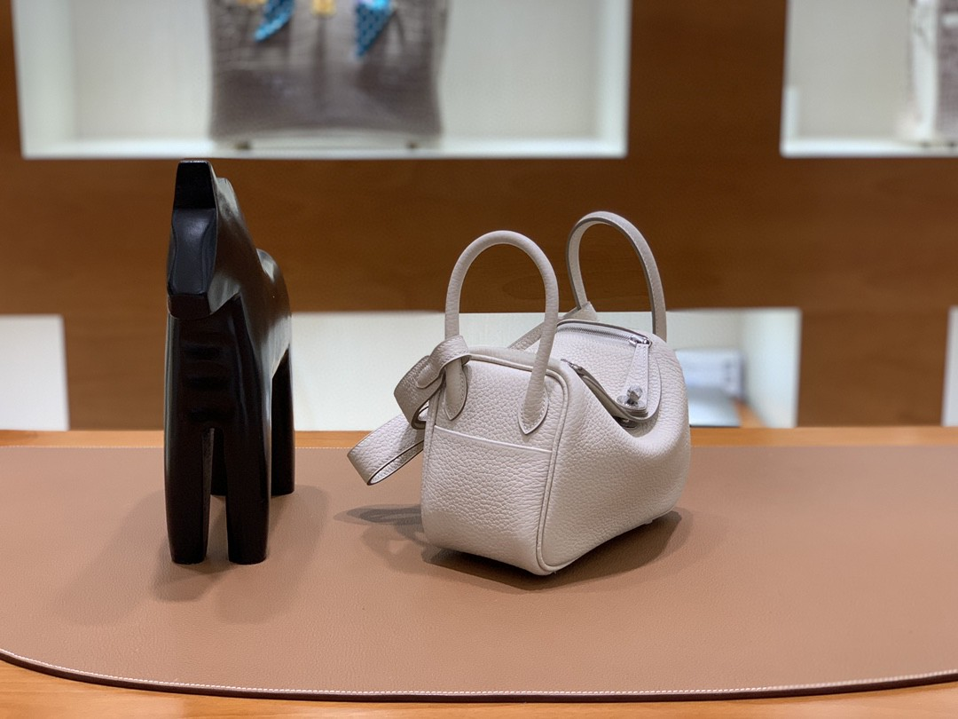 Hermès(爱马仕)minilindy 迷你琳迪 TC 奶昔白 银扣