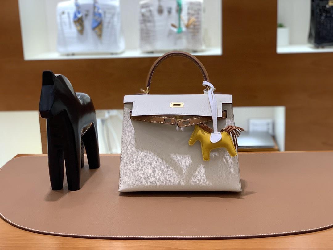 Hermès(爱马仕)Kelly 凯莉包 epsom 奶昔白拼金棕色 金扣 25cm