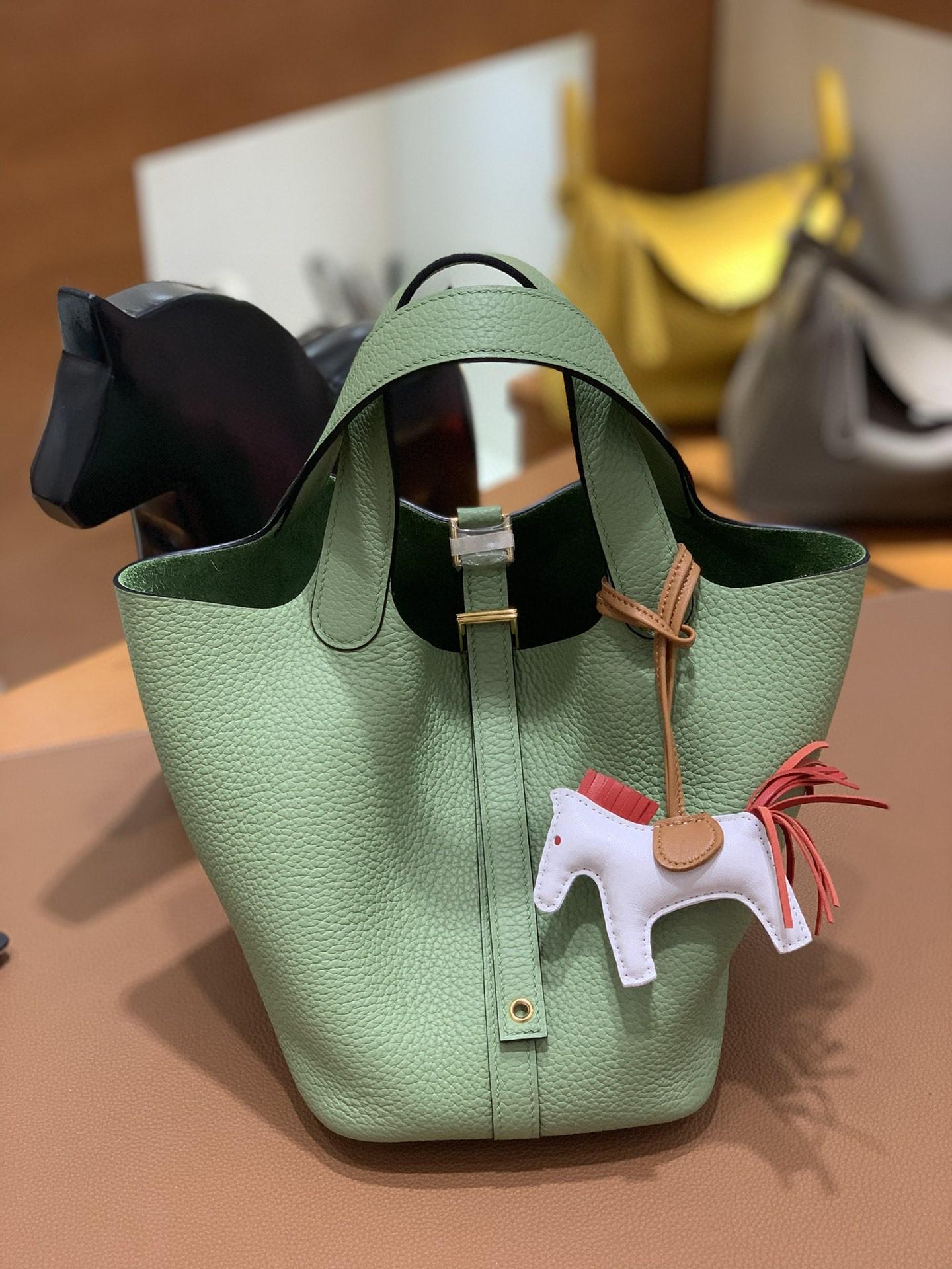 Hermès(爱马仕)Picotin 菜篮子 TC 3i牛油果绿 金扣 18cm