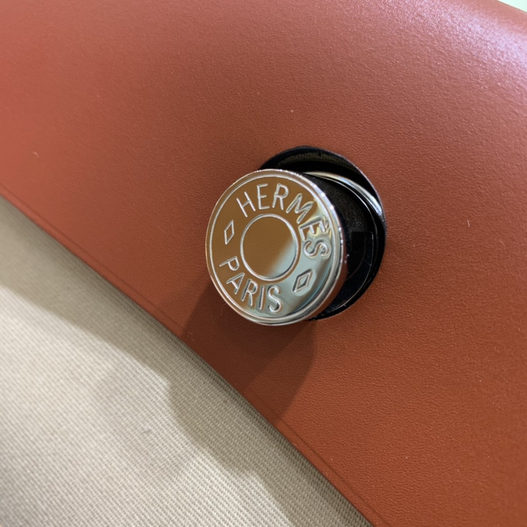 Hermès(爱马仕)herbag Box帆布 焦糖拼风衣灰帆布 银扣 31cm