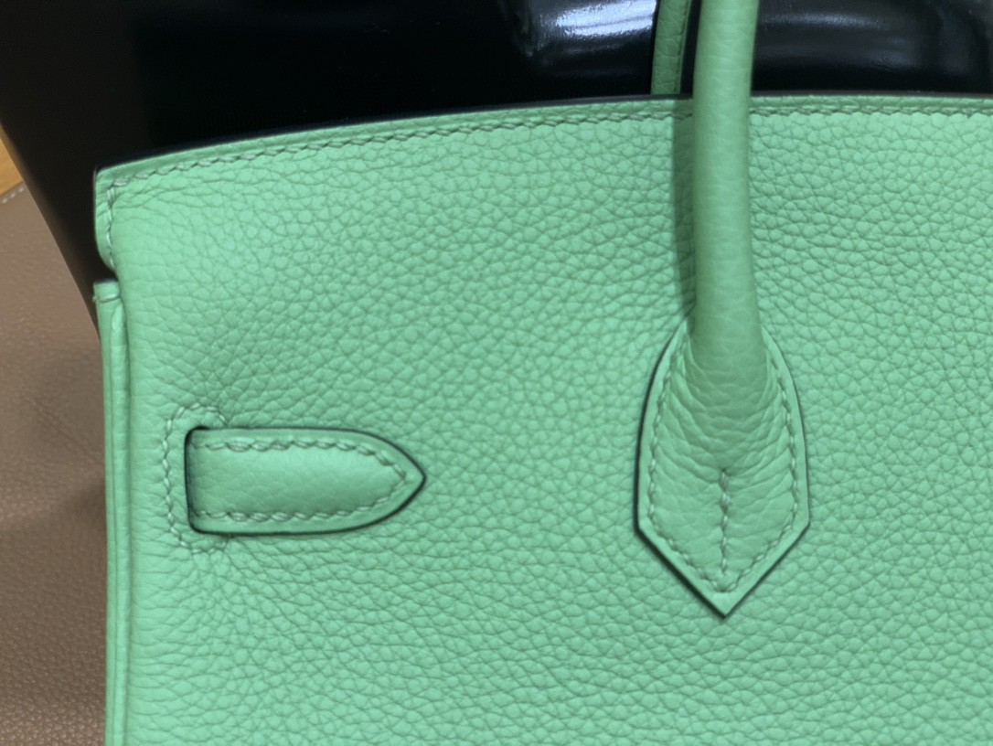 Hermès(爱马仕) Birkin 铂金包 Togo 牛油果绿 金扣 25cm