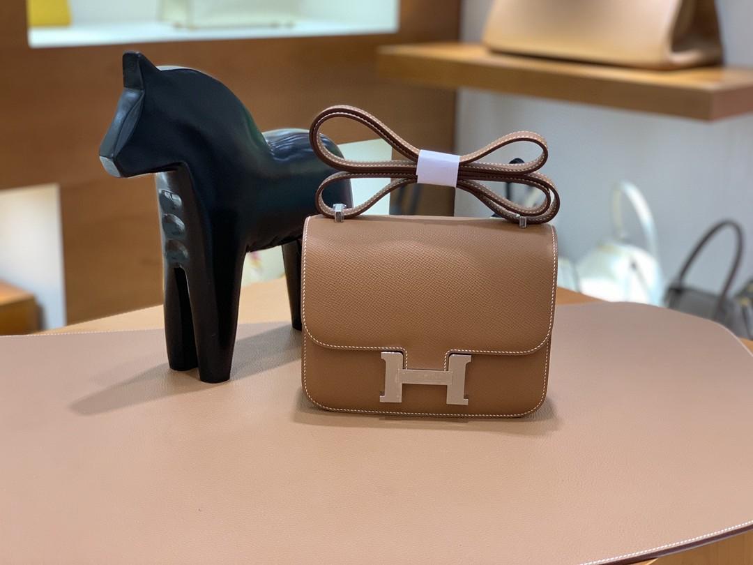 Hermès(爱马仕)Constance 空姐包 Epsom 金棕色 19cm 银扣