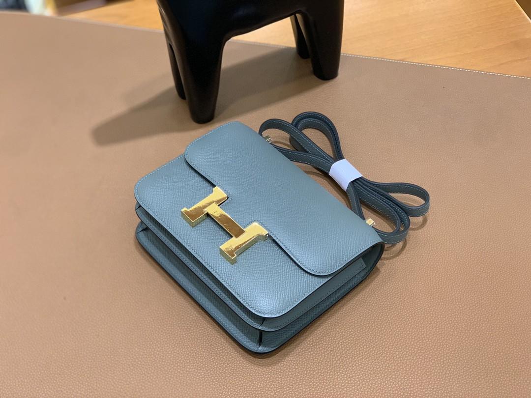 Hermès(爱马仕)Constance 空姐包 Epsom CC63杏仁绿 19cm 金扣