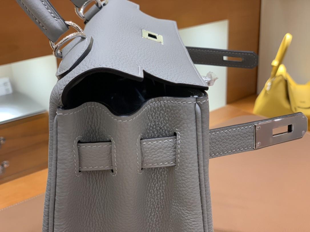 Hermès(爱马仕)Kelly 凯莉包 Togo 海鸥灰 银扣 28cm 现货