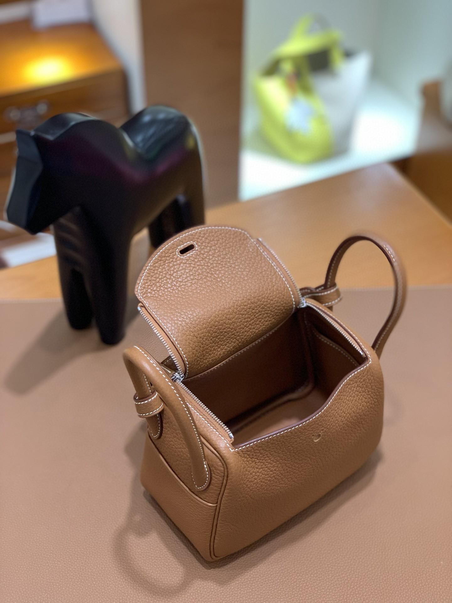 Hermès(爱马仕)mini lindy 迷你琳迪 TC 金棕色 银扣 19cm