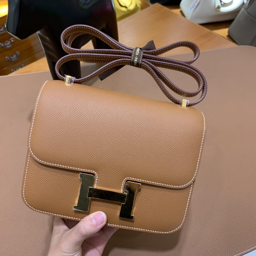 Hermès(爱马仕)Constance 空姐包 Epsom 金棕色 19cm 金扣
