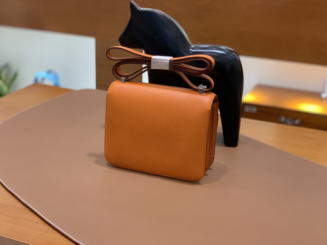 Hermès(爱马仕)Constance 空姐包 Epsom 橙色 19cm 银扣