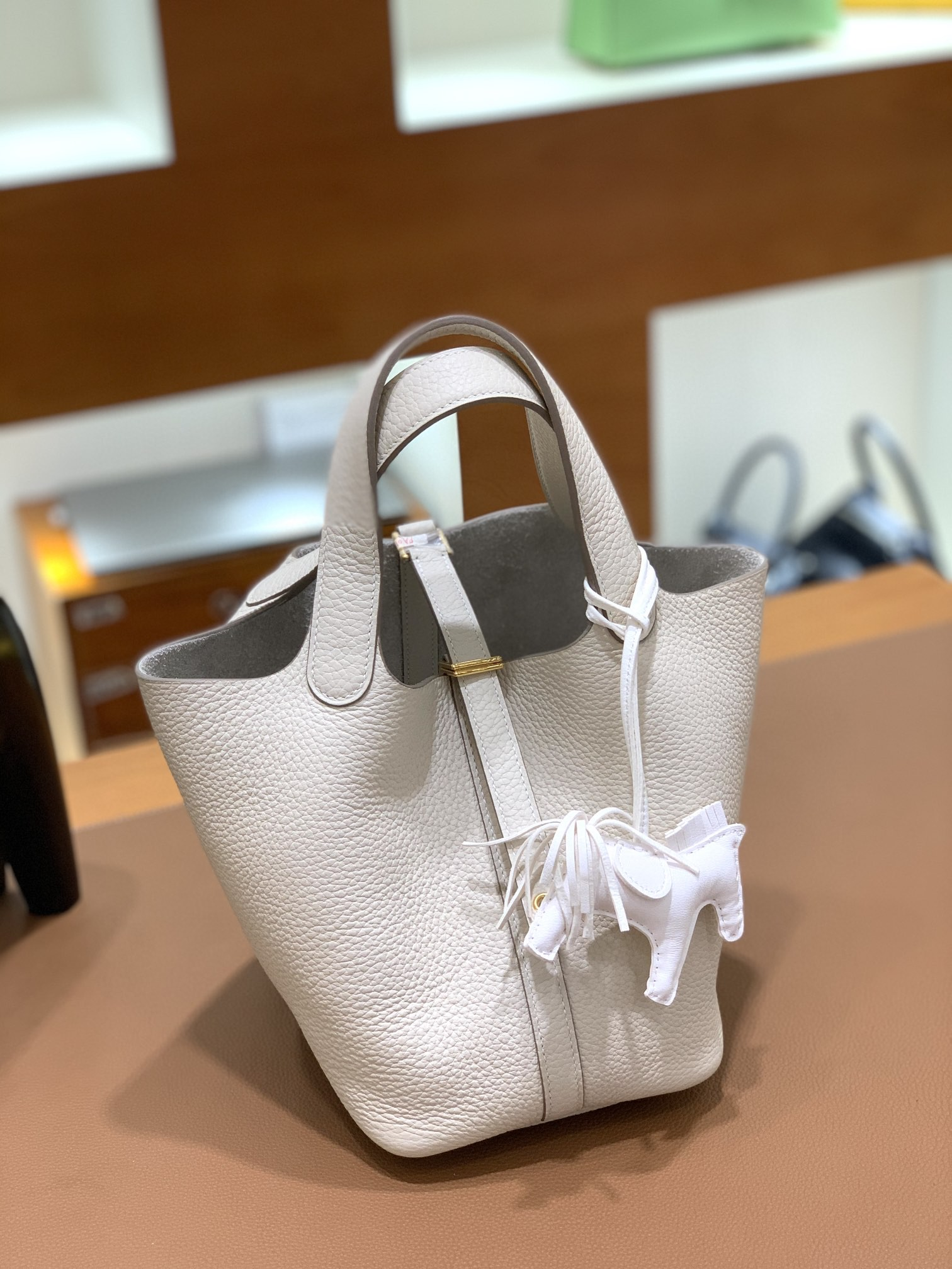 Hermès(爱马仕)Picotin 菜篮子 TC 奶昔白 金扣 18cm