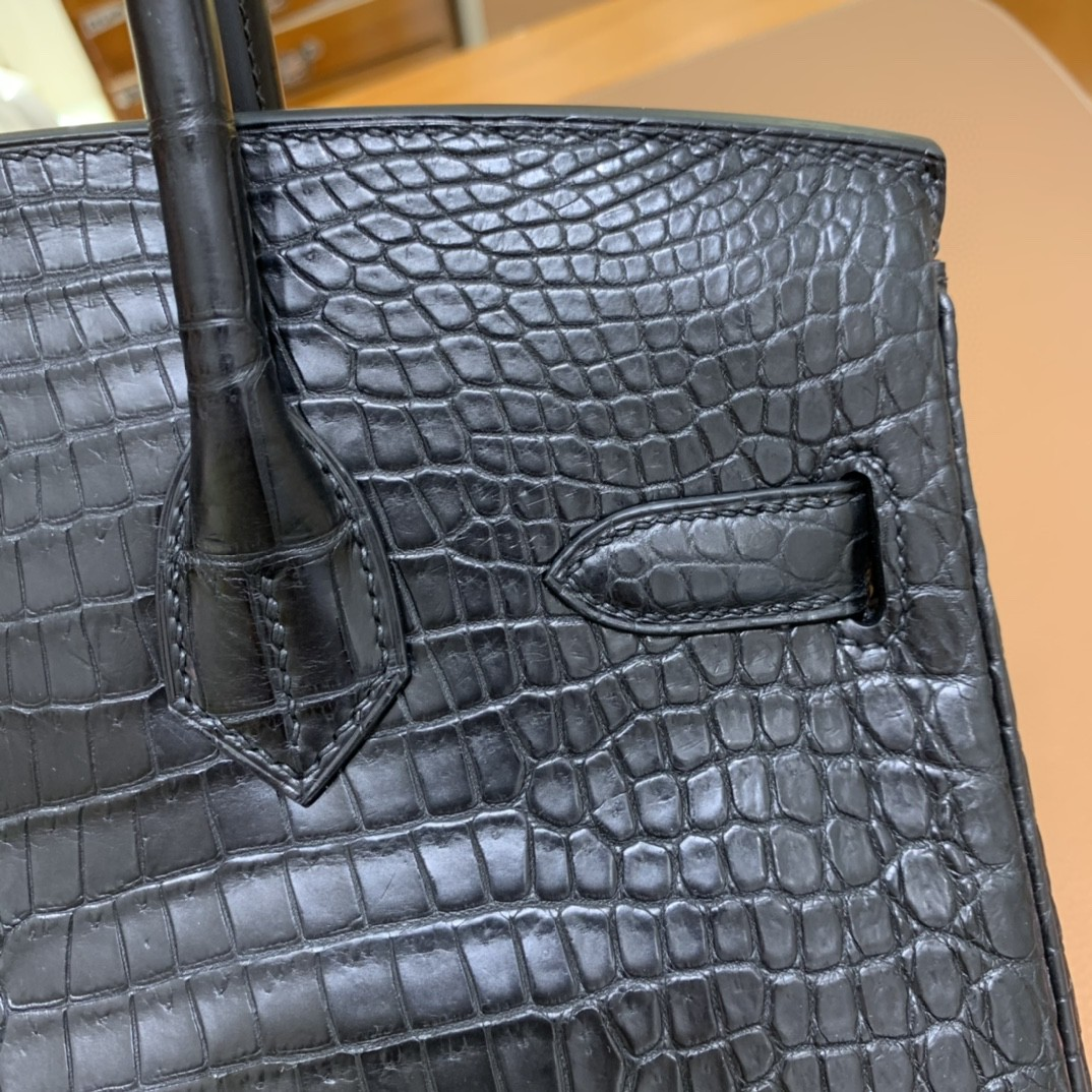 Hermès(爱马仕)Birkin 铂金包 雾面湾鳄 黑色 银扣 30cm