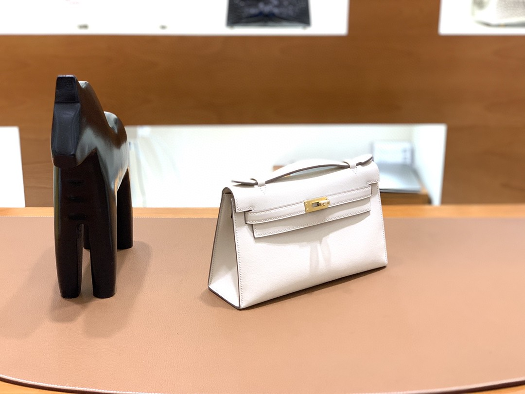 Hermès(爱马仕)mini Kelly 迷你凯莉 swift 奶昔白 金扣 22