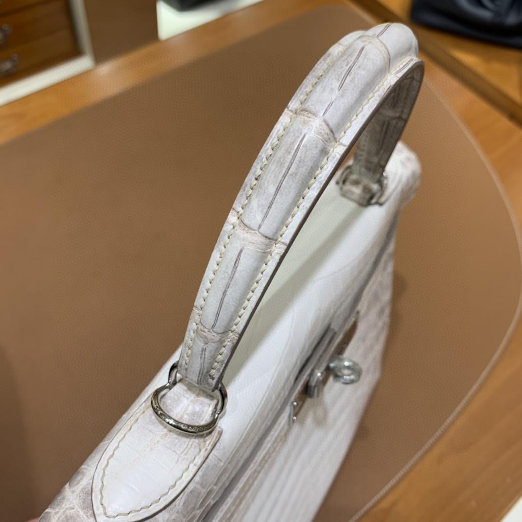 Hermès(爱马仕)Kelly 凯莉包 尼罗鳄 喜马拉雅 28 银扣
