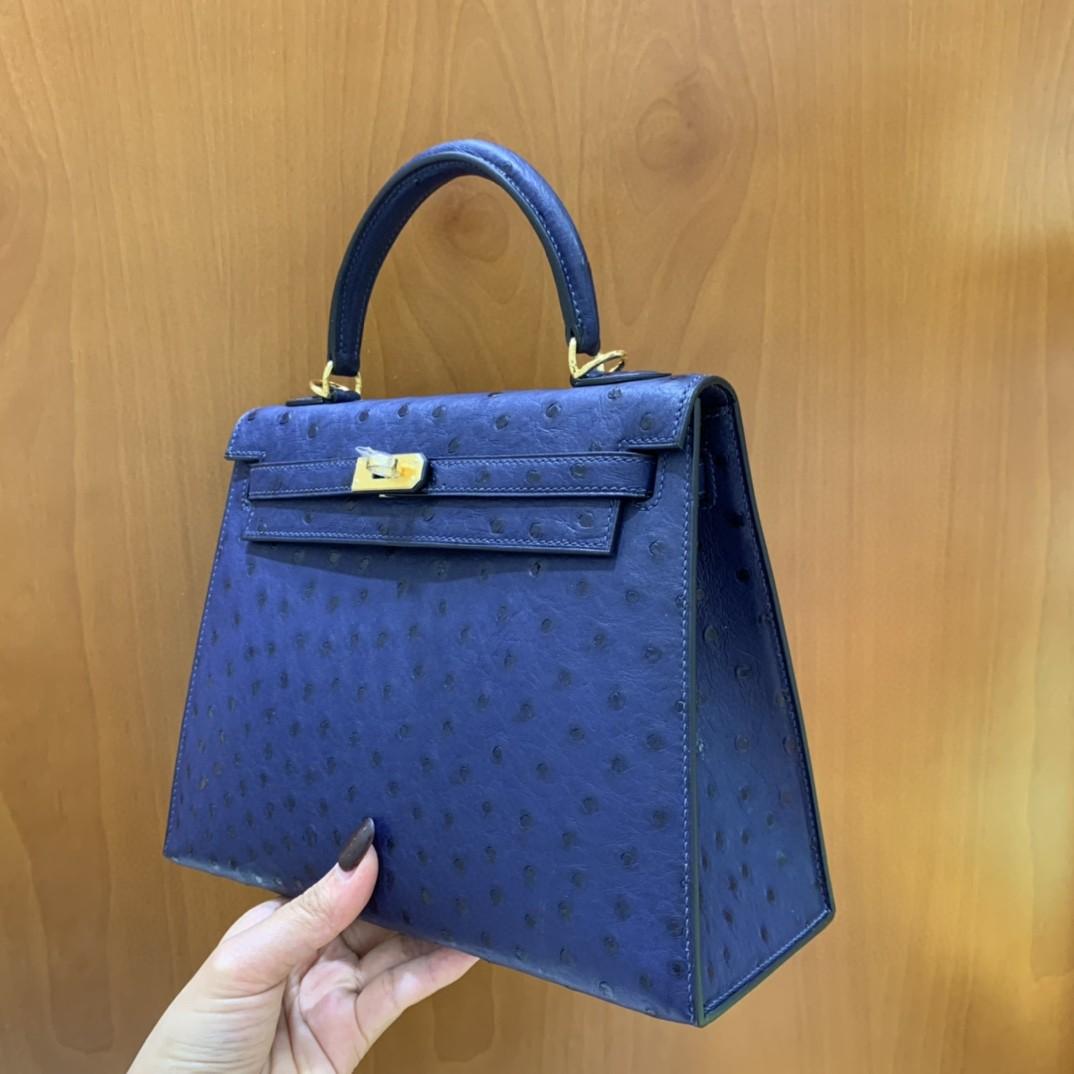 Hermès(爱马仕)Kelly 凯莉包 鸵鸟皮 7L马耳他蓝 金扣 25cm