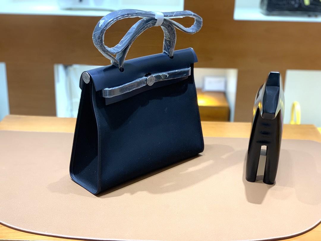 Hermès(爱马仕)Herbag Box 拼 帆布 午夜蓝拼黑色 银扣 31cm