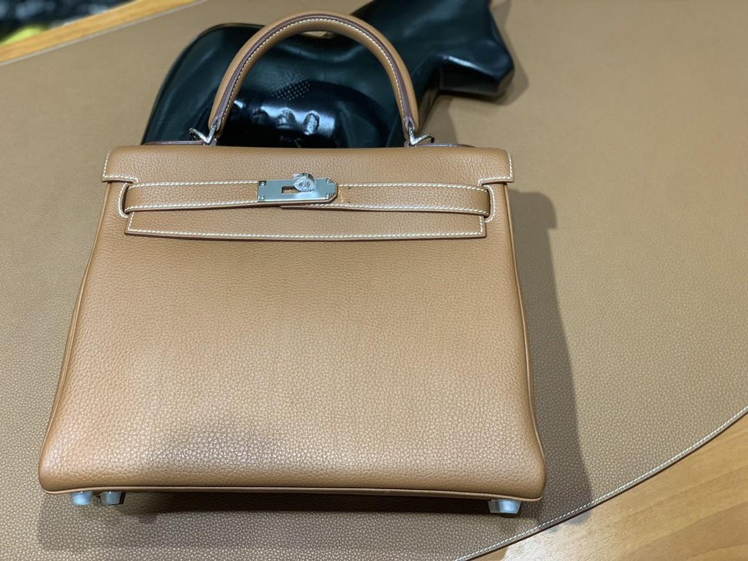 Hermès(爱马仕)Kelly 凯莉包 togo 金棕色 银扣 28cm