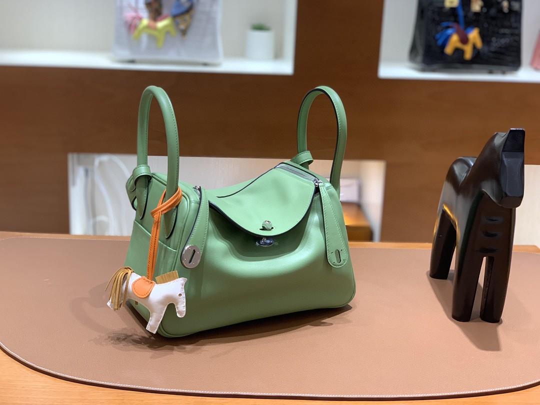 Hermès(爱马仕)Lindy 琳迪包 Swift 牛油果绿 银扣 26cm