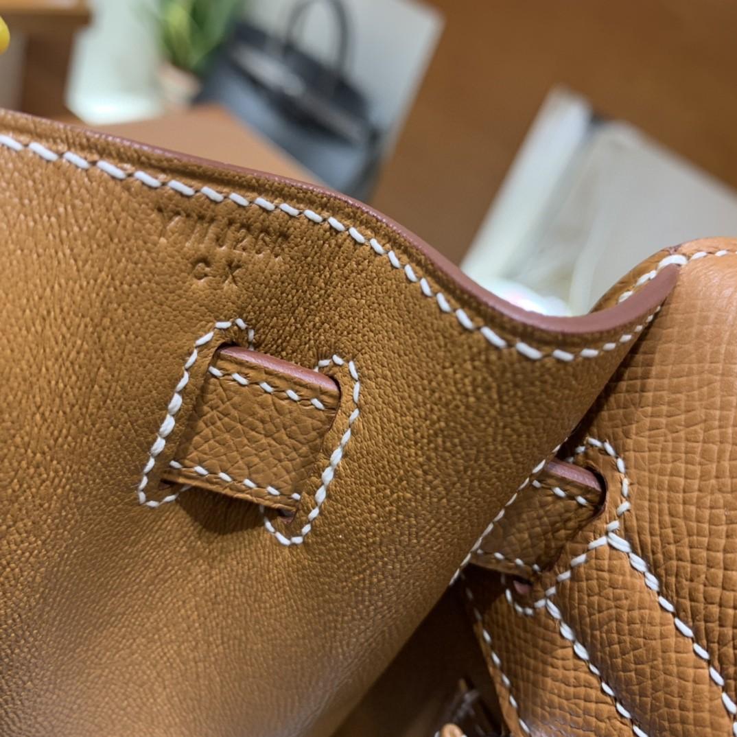 Hermès(爱马仕)Kelly 凯莉包 Epsom 金棕色 银扣 28cm