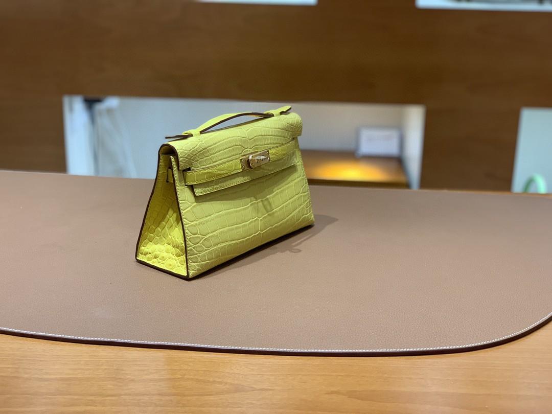 Hermès(爱马仕)Mini Kelly 迷你凯莉 雾面尼罗鳄 柠檬黄 22cm 金扣