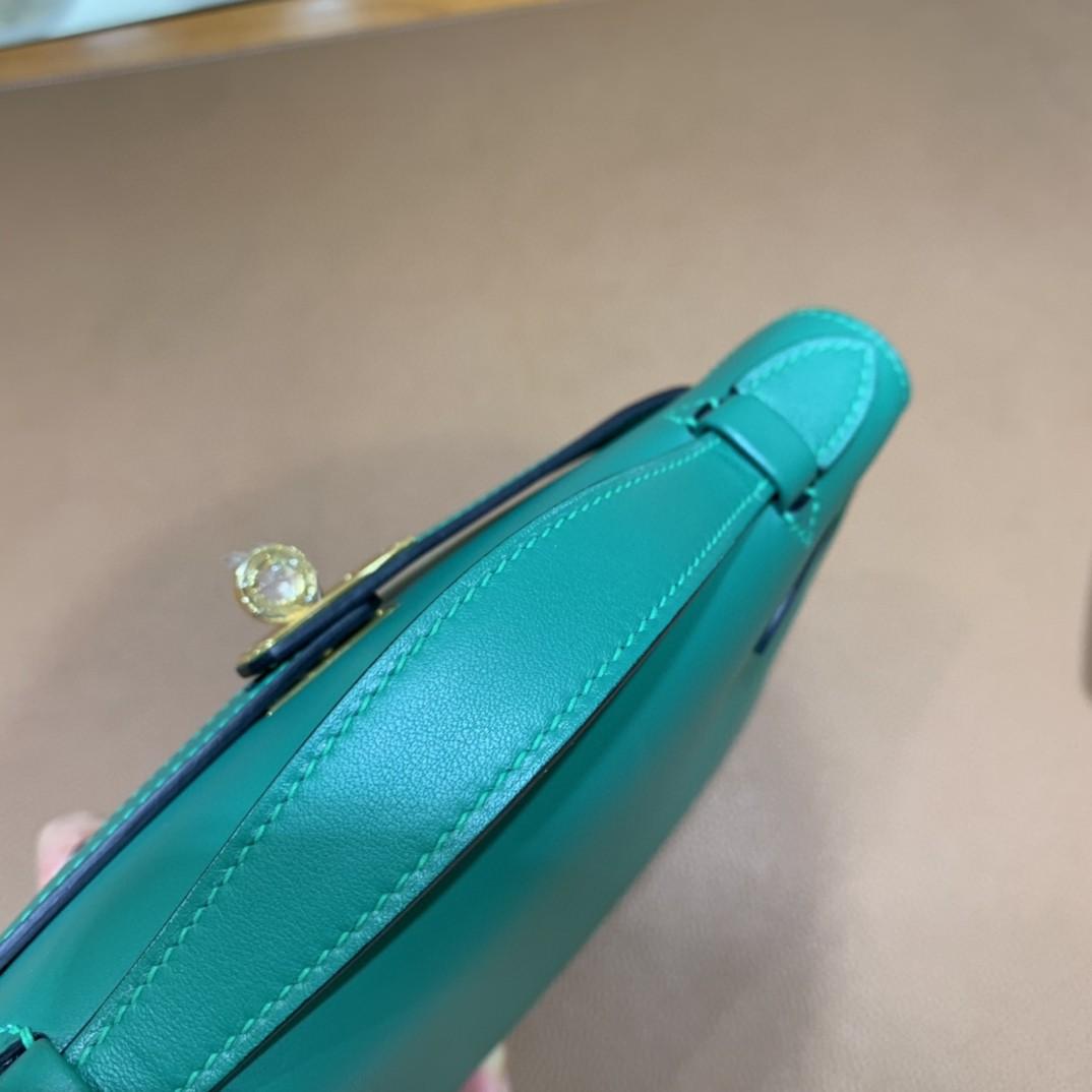 Hermès(爱马仕)Kelly Pochette swift 丝绒绿 金扣 22cm
