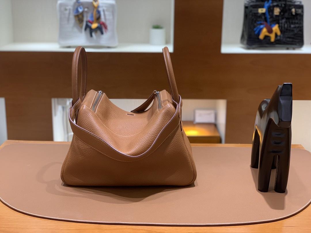 Hermès(爱马仕)Lindy 琳迪包 TC 金棕色 银扣 30cm