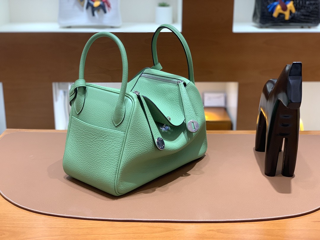 Hermès(爱马仕)Lindy 琳迪包 TC 牛油果绿 银扣 30cm