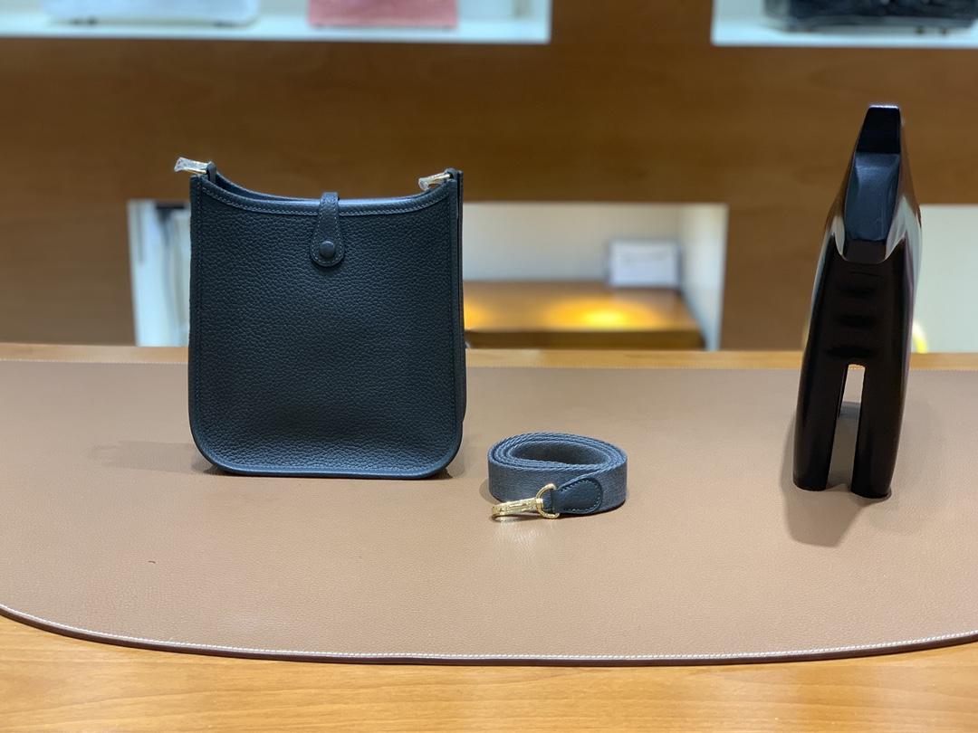 Hermès(爱马仕)Evelyne 伊芙琳 TC皮 6O 松柏绿 金扣 16cm